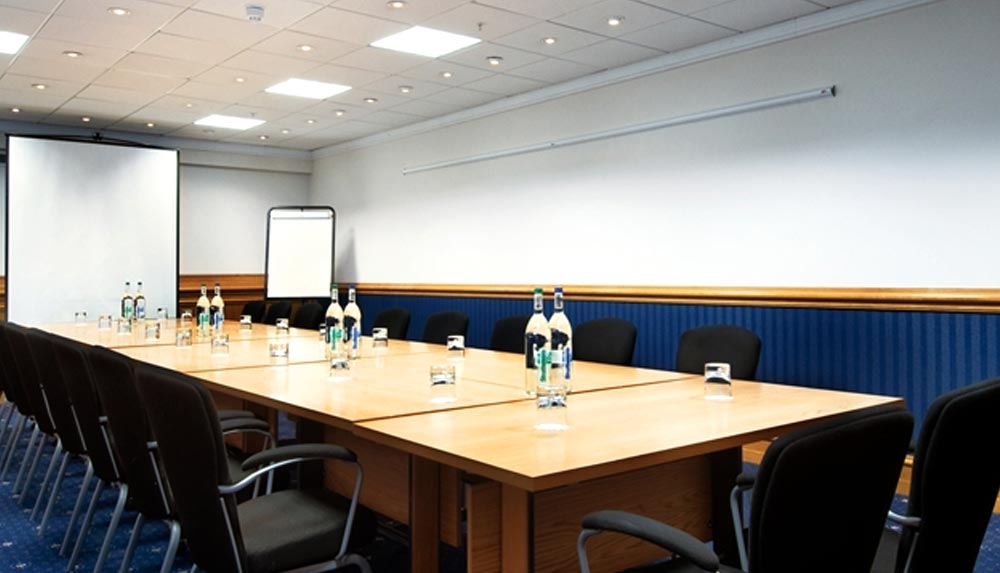Meeting room at The Hilton Metropole Birmingham management training venue